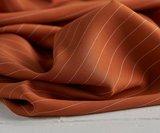 meetMilk - pin stripe TWILL SPICE met TENCEL™ Lyocell vezels €25,9 p/m_