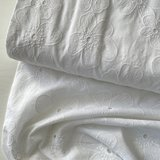 Verhees OEKOTEX - COTTON EMBROIDERED white €14,5 p/m katoen _
