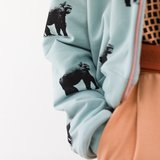 See you at six - Gorillas grijs mistblauw €22p/m_