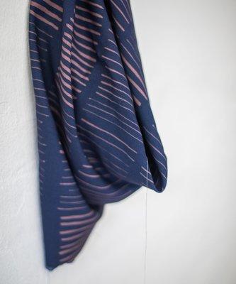 Coupon 40cm mindtheMAKER - Viscose twill blue sticks €19,50 p/m