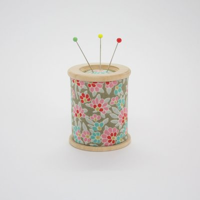 Foxglove & Field Pin Cushion Magnet&Weight - Amy €22,95 per stuk