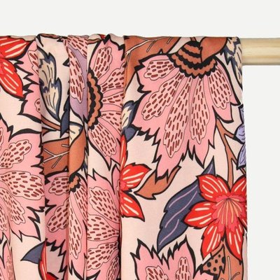 COUPON 40cm Atelier Jupe - Soft pink viscose with large flower print €25 p/m