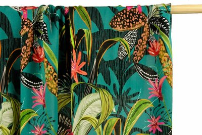 COUPON 48cm Atelier Jupe - Tropic turquoise viscose with large flower print €25 p/m