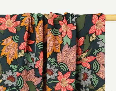Atelier Jupe - Petrol viscose with large flower print €25 p/m