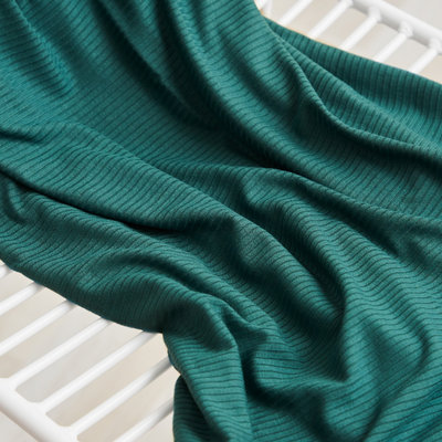 meetMilk - EMERALD  Derby Ribbed Jersey TENCEL™ Modal vezels €22,50 p/m
