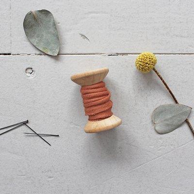 Atelier Brunette - Crepe Chestnut paspelband 2mm