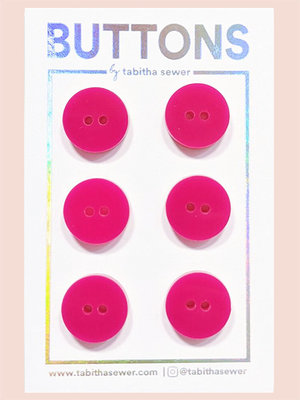 Tabitha Sewer - Raspberry Classic buttons 15mm €9 p/set