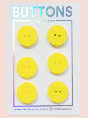 Tabitha Sewer - Yellow Classic buttons 15mm €9 p/set