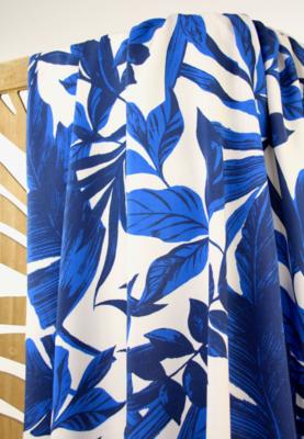COUPON 50cm Atelier Jupe -Large blue leaves VISCOSE € 24,50 p/m