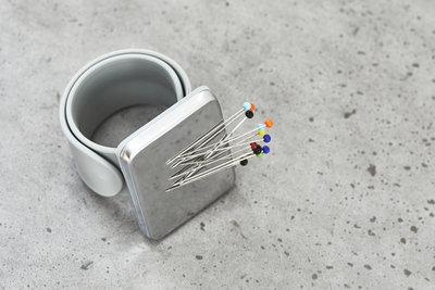 SEWPLY - Armband siliconen GRIJS