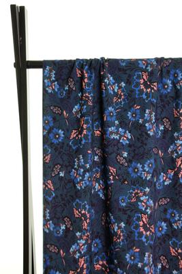 Atelier Jupe -Blauwe en roze bloemen  VISCOSE € 24,50 p/m