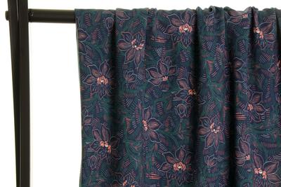 Atelier Jupe - Groene blaadjes en zachtroze bloemen VISCOSE € 24,50 p/m