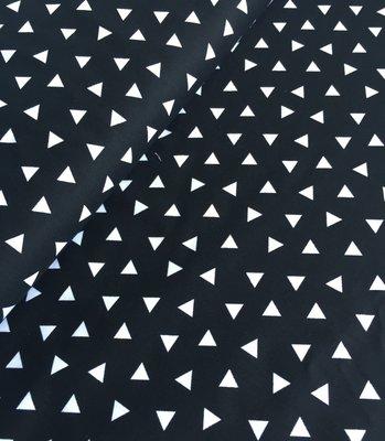 Robert Kaufman - Black triangles €15,80 p/m
