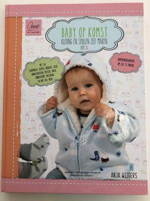 Annie - Baby op komst deel 3 €16,95 p/s