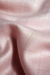 Eglantine & Zoé Carreaux Rose Viscose Twill €22 p/m
