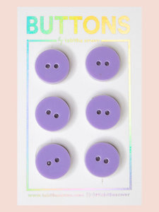 Tabitha Sewer - Lavender Classic buttons 15mm €9 p/set