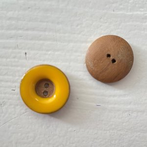 Wood&Epoxy Yellow 121 €1,00 p/s