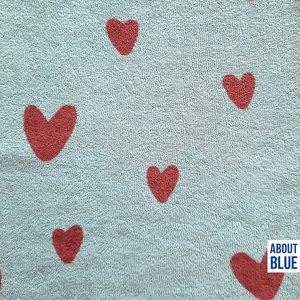 About Blue spons hearts 22,99 p/m