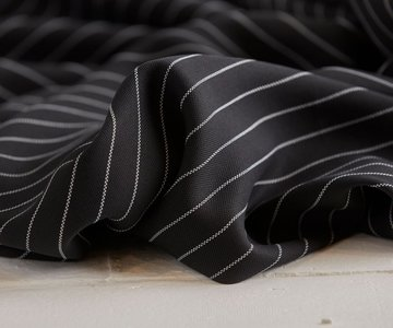 meetMilk - Tencel pin stripe PIQUE BLACK €29,50 p/m