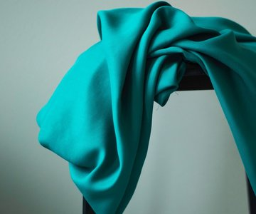 meetMilk - Tencel Sanded TWILL Emerald €25,90 p/m
